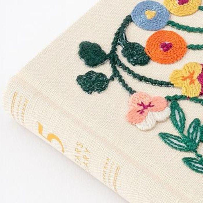MIDORI Journal Diary/ 5 Years/ Embroidery Flower/ Beige