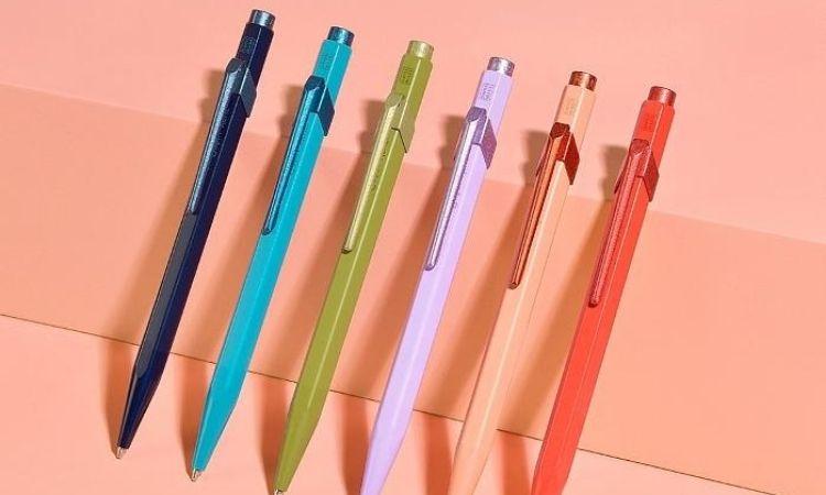 多種顏色,找到最喜歡的三種:CARAN D'ACHE原子筆