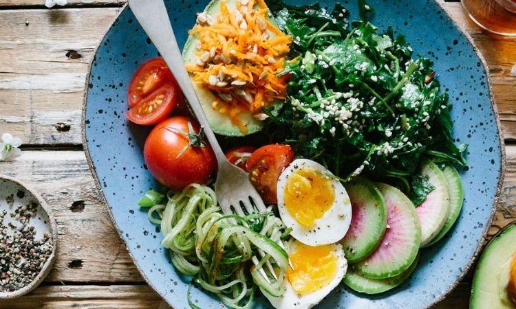▲ 橄欖油溫沙拉能在夏天能喚醒食慾