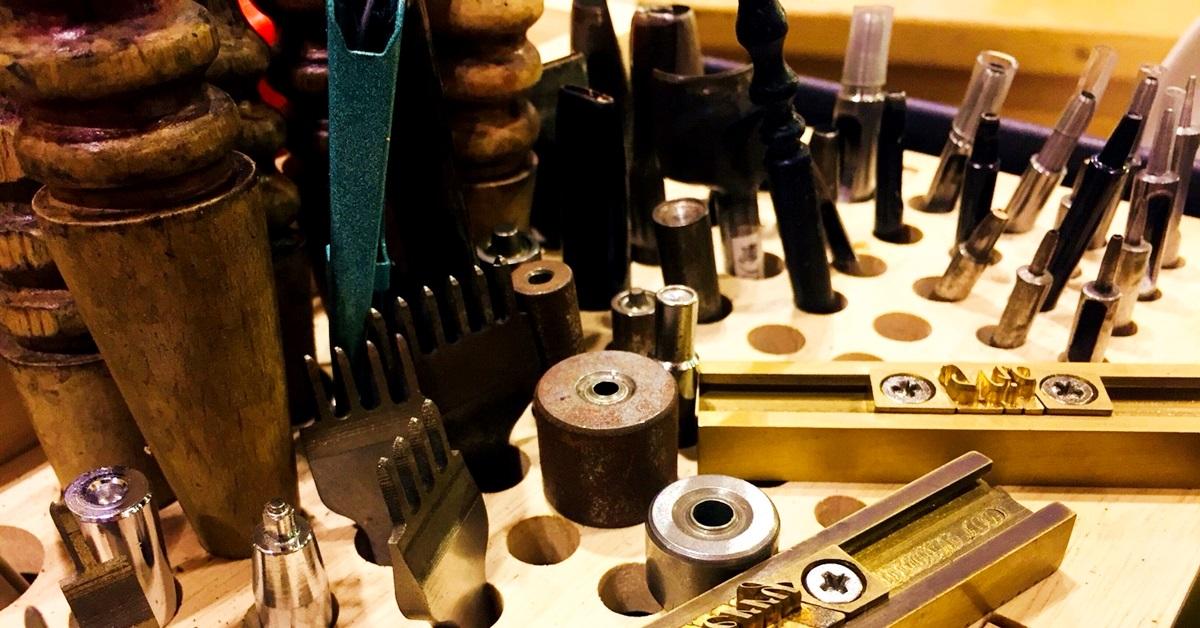 【手作質感研究室】皮革職人相談所—藝創小間:「做給自己是成就感,做給別人是信任感。」